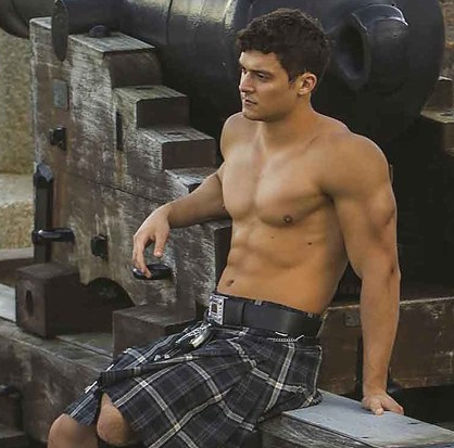 my-kiltshake-brings-all-the-boys-to-the-yard-2-8096-1487776598-7_dblbig